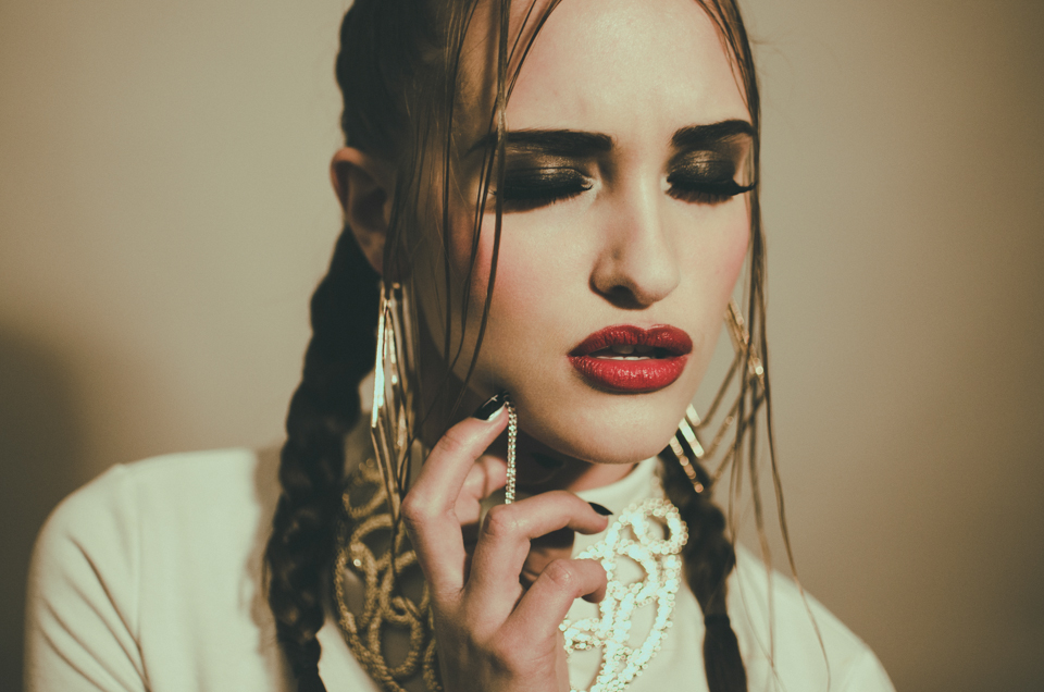 beauty editorial with sammie fuller by erika astrid
